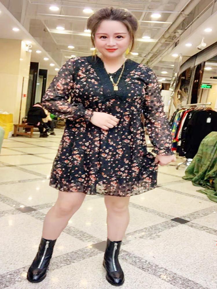 2020春季新款大码时尚气质宽松显瘦拼接a字裙黑色印花连衣裙667